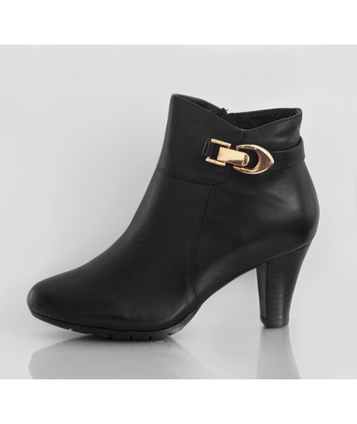 Sasha Black Black pointed heel ankle boots